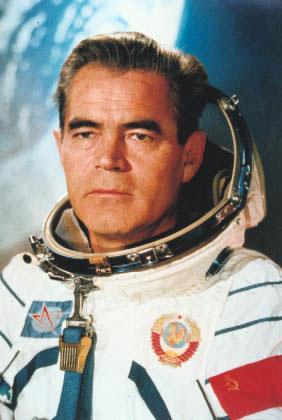 В августе 1962 г андриян григорьевич
